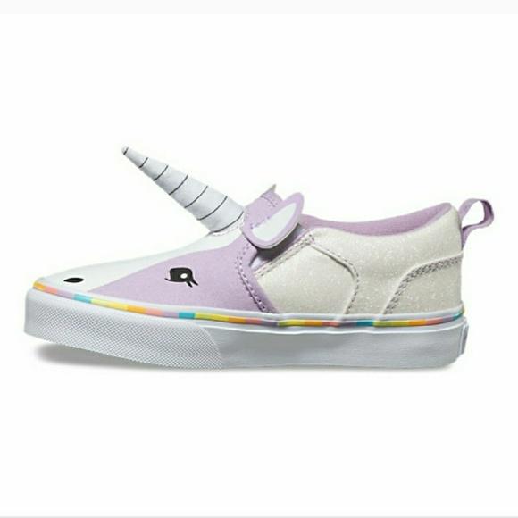 d8478d1982 Girls Vans Asher Unicorn Shoes. M 5a36c7a0a4c4854bce01742c
